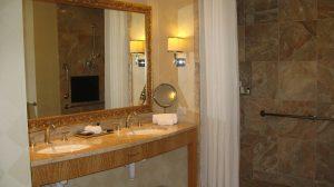 kinkiet łazienkowy nad lustro