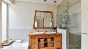 szara nowoczesna łazienka