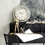 Sekretarzyk - relikt minionych stuleci czy funkcjonalny mebel?