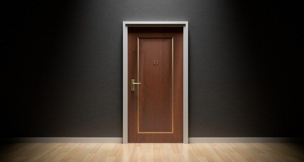 Jakie rodzaje materiałów można wykorzystywać do wykonania drzwi