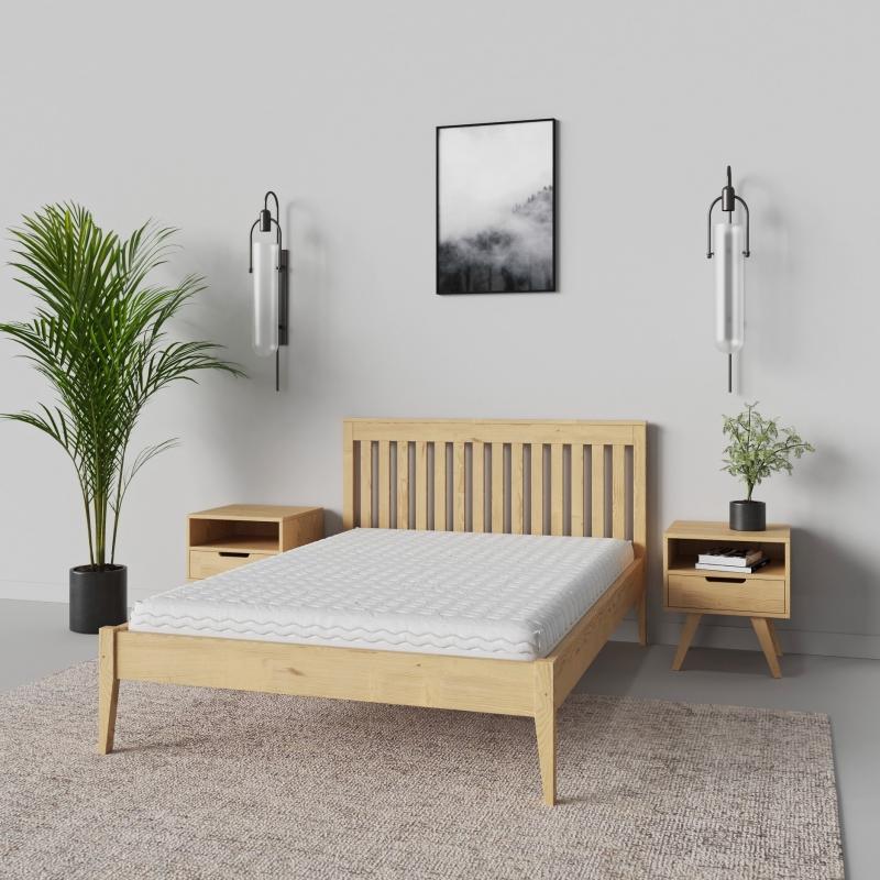 Meble z litego drewna i łóżka tapicerowane